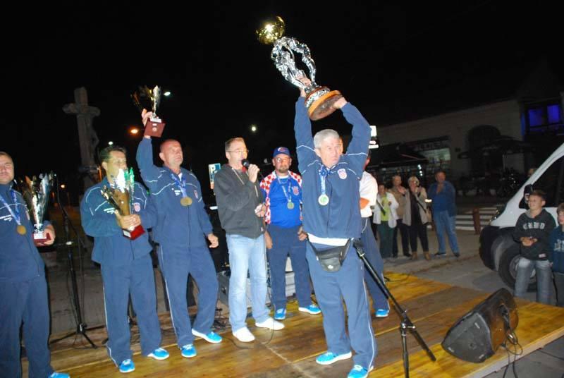 Hrvatska šaranska reprezentacija osvojila svjetsko prvenstvo u Italiji